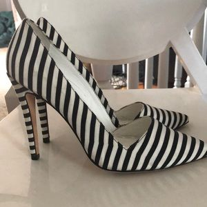 Alice + Olivia Shoes - Alice & Olivia by Stacey Bendet heels
